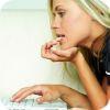 как проверить сидит ли человек на сайте знакомств
